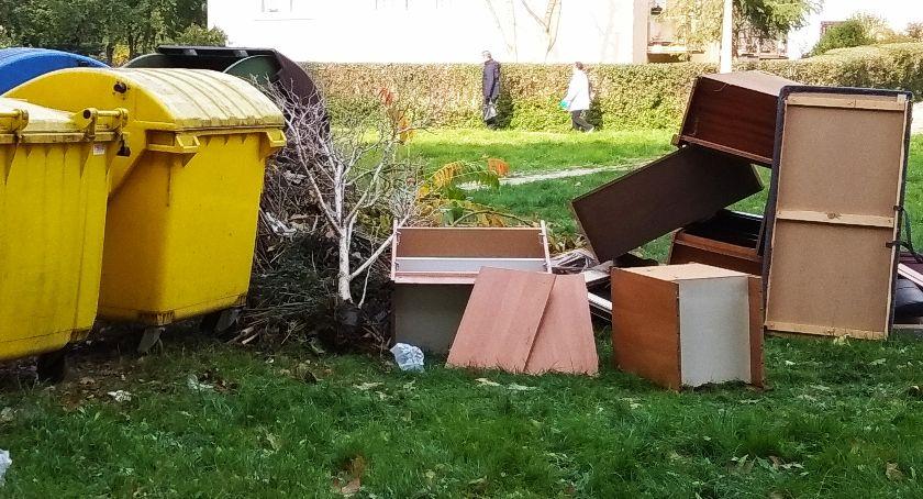 Interwencje, Podrzucane śmieci - zdjęcie, fotografia