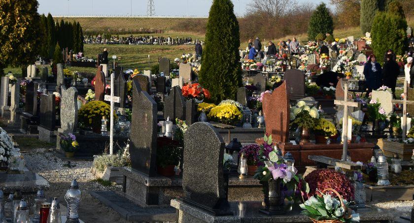 Kradzieże, Złodzieje grasują cmentarzach - zdjęcie, fotografia