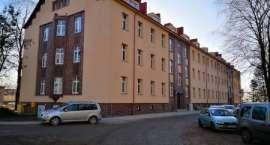 Nowe mieszkania stoją puste