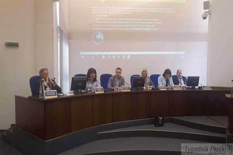 Wybory, Przepytali kandydatów europosłów - zdjęcie, fotografia