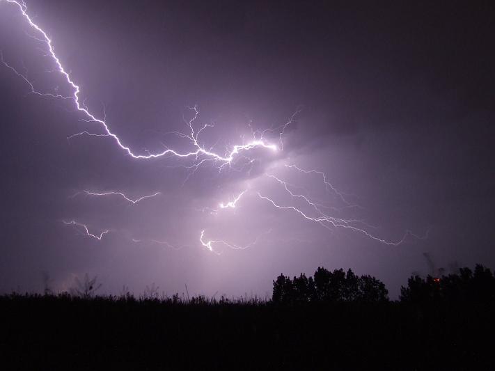 Aktualności, Ponowne ostrzeżenie przed burzami deszczem gradem - zdjęcie, fotografia