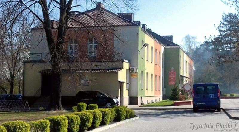 Gostynin - powiat gostyniński, Uczniowie mają pretensje nauczycieli - zdjęcie, fotografia