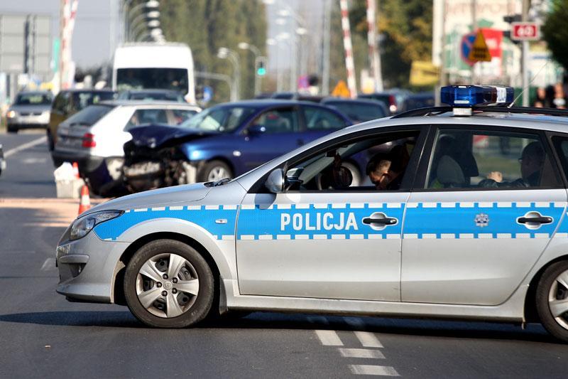 Wypadki drogowe, Wypadek odebrane prawa jazdy kradzieże Święta policyjnych statystykach - zdjęcie, fotografia