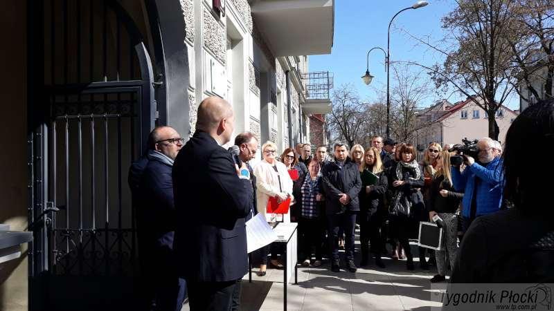 Wiadomości, Koniec remontu kamienicy Sienkiewicza Lokatorzy dostali klucze - zdjęcie, fotografia