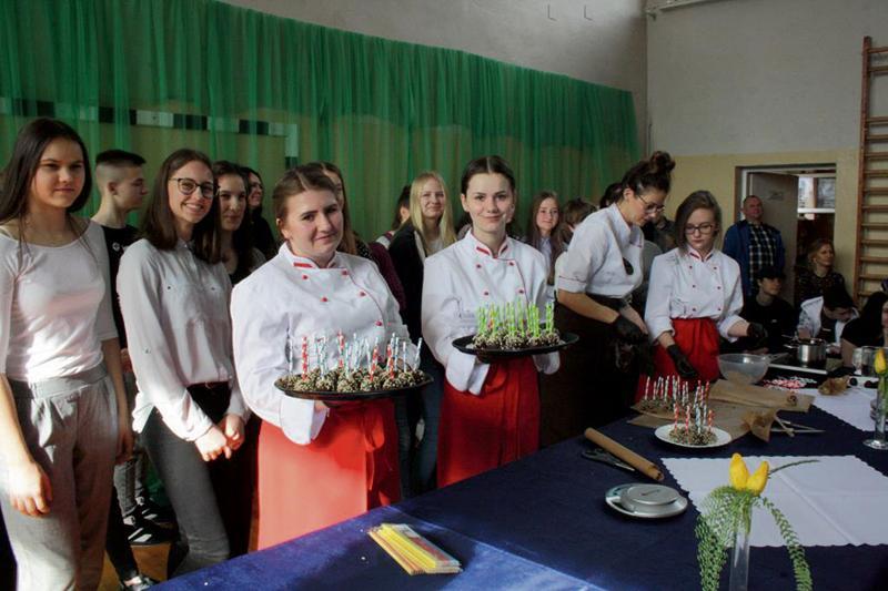 Gostynin - powiat gostyniński, Dobra szkoła Polnej - zdjęcie, fotografia