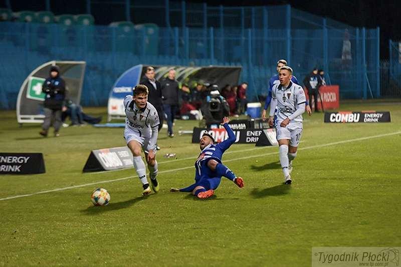 Piłka nożna, Kiepsko wygląda - zdjęcie, fotografia
