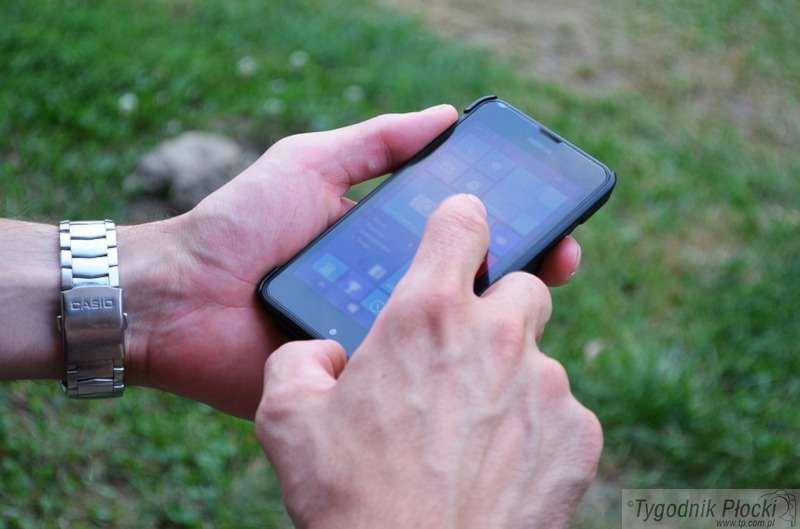 Wiadomości, Pilnujmy telefonów komórkowych - zdjęcie, fotografia