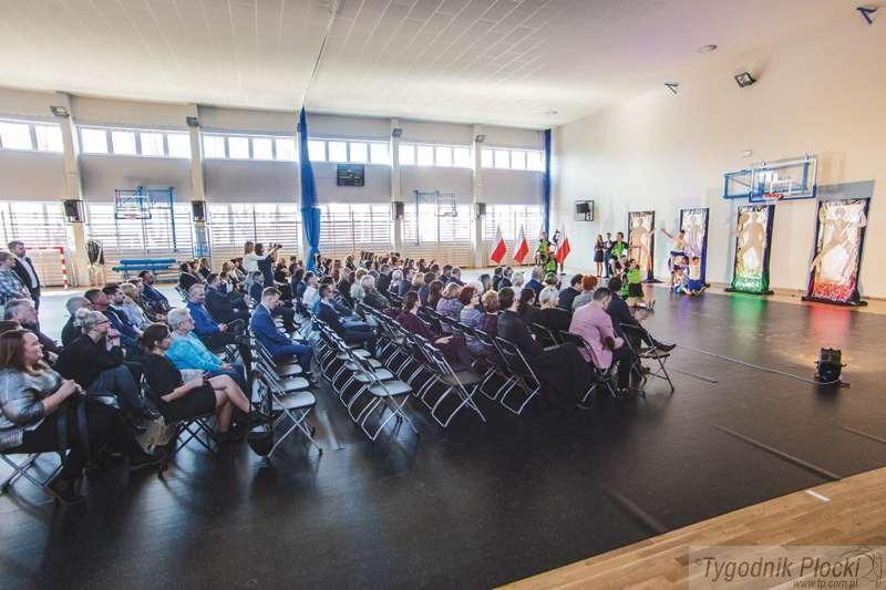 Edukacja - szkoły , gimnastyczna - zdjęcie, fotografia