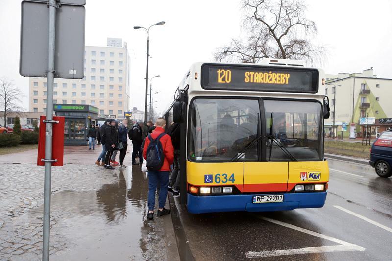 Płock - powiat płocki, Mieszkańcy gminy Radzanowo chcą więcej kursów autobusowych - zdjęcie, fotografia