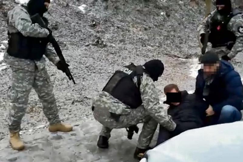 Prawo i bezprawie, Podejrzany podłożenie bomby samochodem Płocku Zatrzymali funkcjonariusze - zdjęcie, fotografia