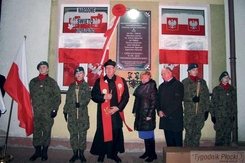 Sierpc - powiat sierpecki, Uczcili poległych zawidzan - zdjęcie, fotografia