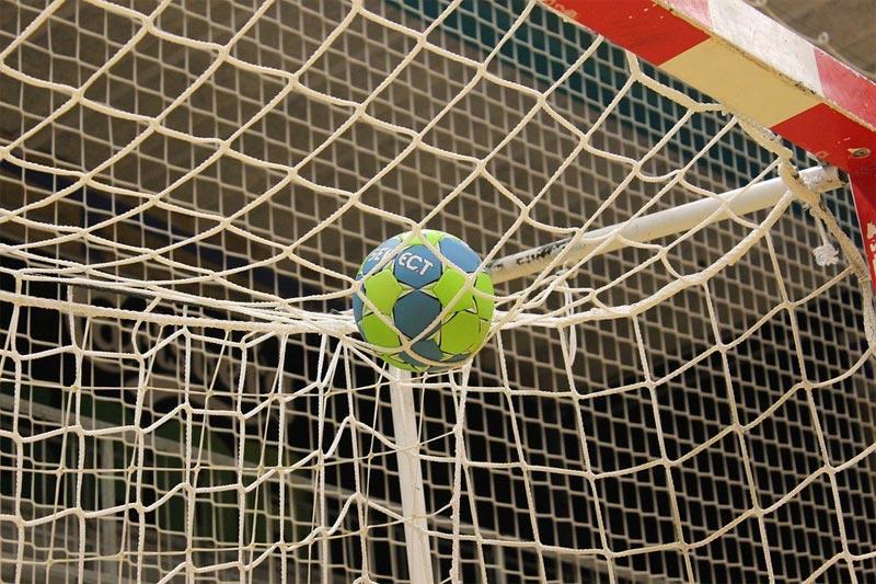 Piłka ręczna, mogło stać - zdjęcie, fotografia