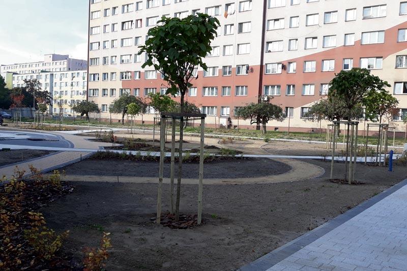 Inwestycje, Zniknęło stare asfaltowe boisko Hermana - zdjęcie, fotografia