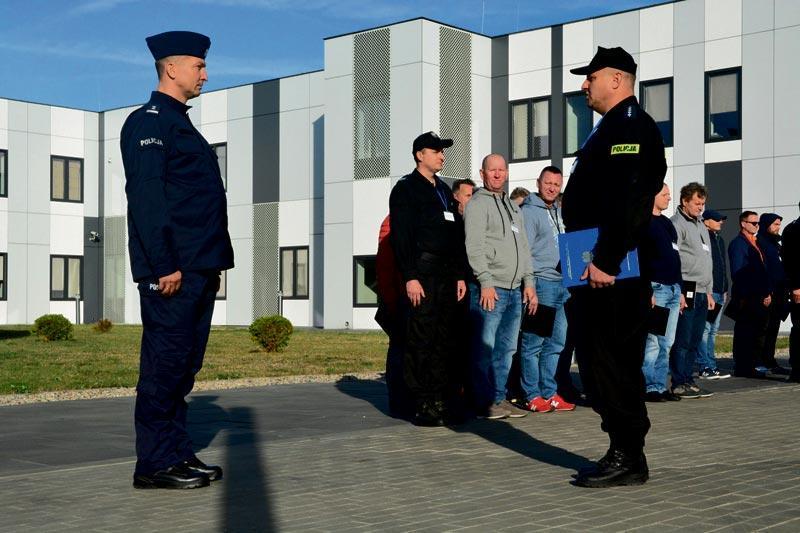 Aktualności, Policyjne ćwiczenia Sierpcu - zdjęcie, fotografia