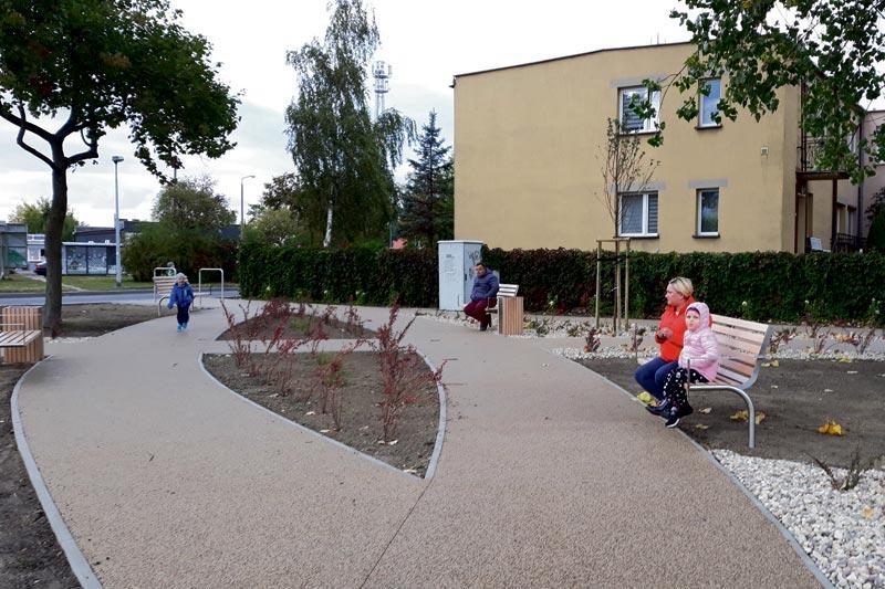 Inwestycje, Skwer zbiegu Kochanowskiego Wschodniej gotowy - zdjęcie, fotografia