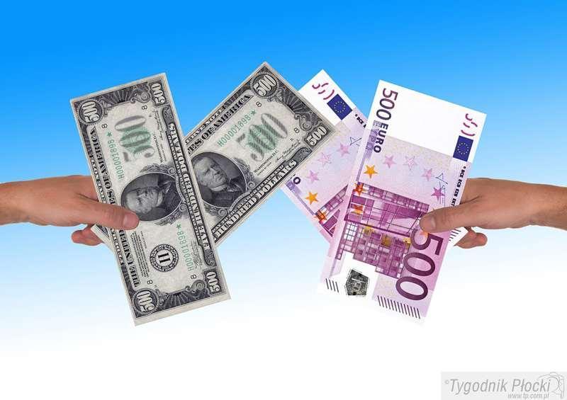 Finanse, wymieniać pieniądze żeby stracić - zdjęcie, fotografia