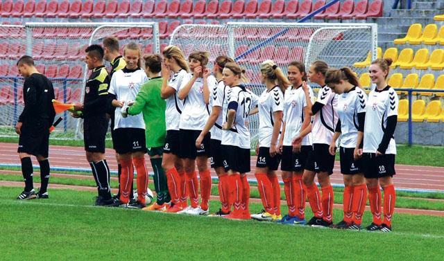 Piłka nożna, Piłkarki Płocka podbijają Mazowsze - zdjęcie, fotografia