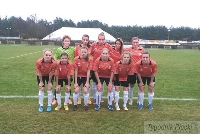 Piłka nożna, Piłkarki nożne Królewskich wygrały - zdjęcie, fotografia