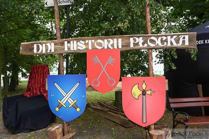 Aktualności, Zbrojni kusznicy miasteczko rycerskie Trwają Historii Płocka [ZDJĘCIA] - zdjęcie, fotografia