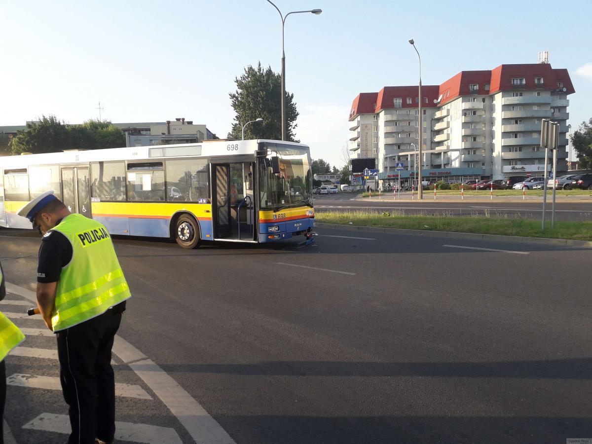 Wiadomości, Kolizja autobusu Podolszycach - zdjęcie, fotografia