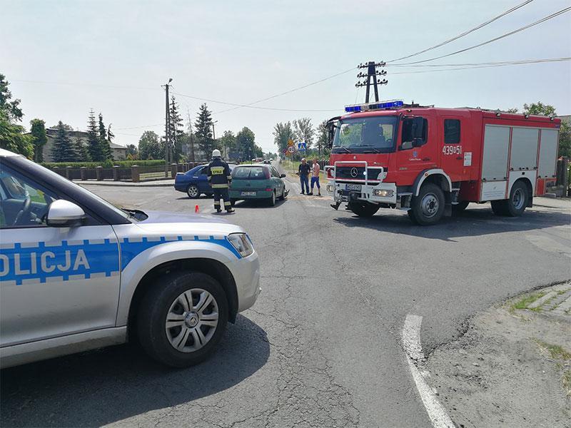 Wypadki drogowe, Zderzenie skrzyżowaniu - zdjęcie, fotografia