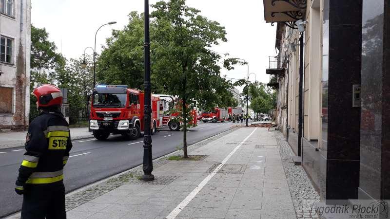 Wypadek, Wstrzymany Sienkiewicza uszkodzona kamienica - zdjęcie, fotografia