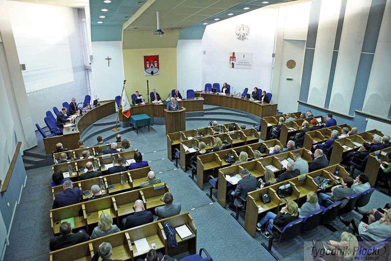 Temat numeru, Majątki płockich radnych - zdjęcie, fotografia