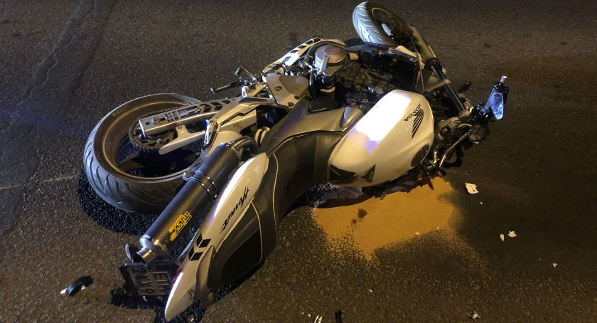 Wypadki drogowe, Ranny motocyklista Narodowych Zbrojnych - zdjęcie, fotografia