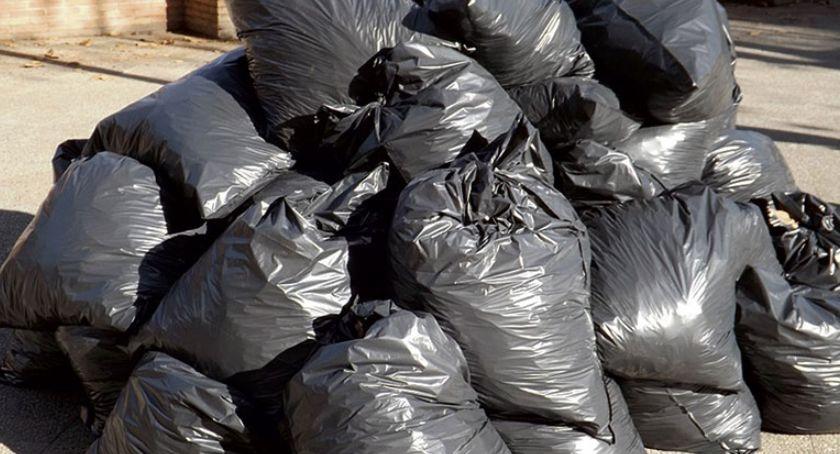 Mazowsze Płockie, Sprawa śmieci mieszkańcy żądają wyjaśnień - zdjęcie, fotografia