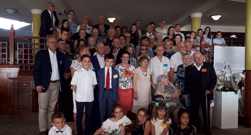 Warto wiedzieć, Jubileuszowy zjazd rodzinny - zdjęcie, fotografia