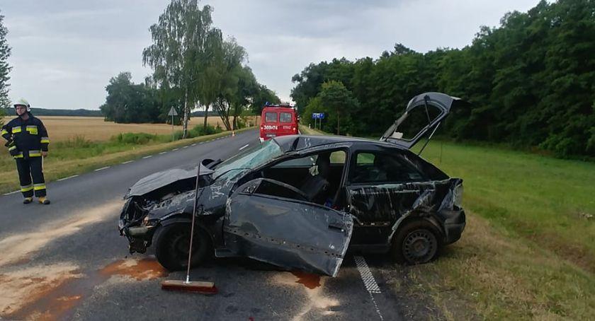 Wypadki drogowe, Wypadek Brodach Dużych Jedna osoba szpitalu - zdjęcie, fotografia