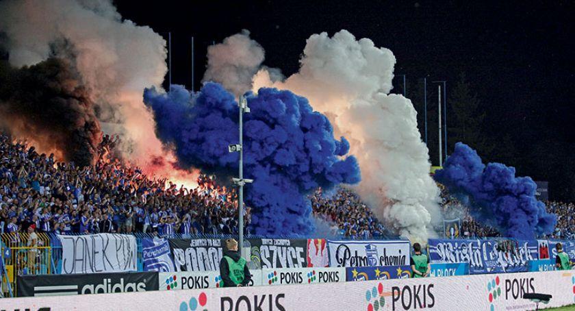 Piłka nożna, Wisła zaczyna walkę - zdjęcie, fotografia