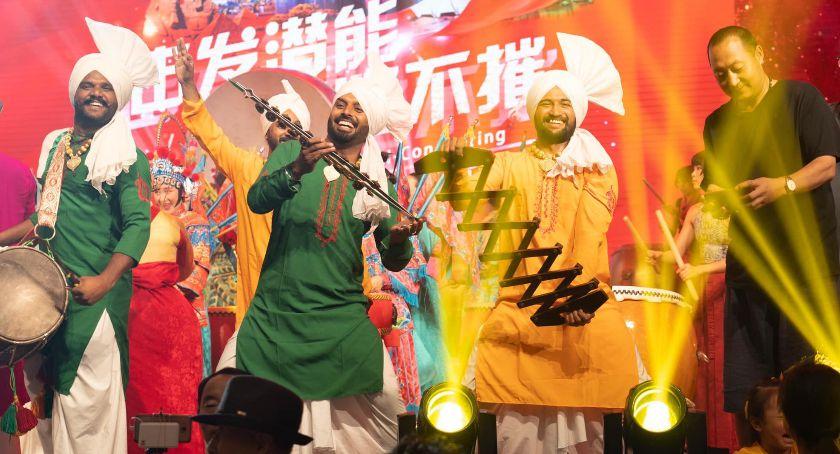 Wydarzenia kulturalne, zobaczymy Vistuli Będą korowody tańce odrobina Indii - zdjęcie, fotografia