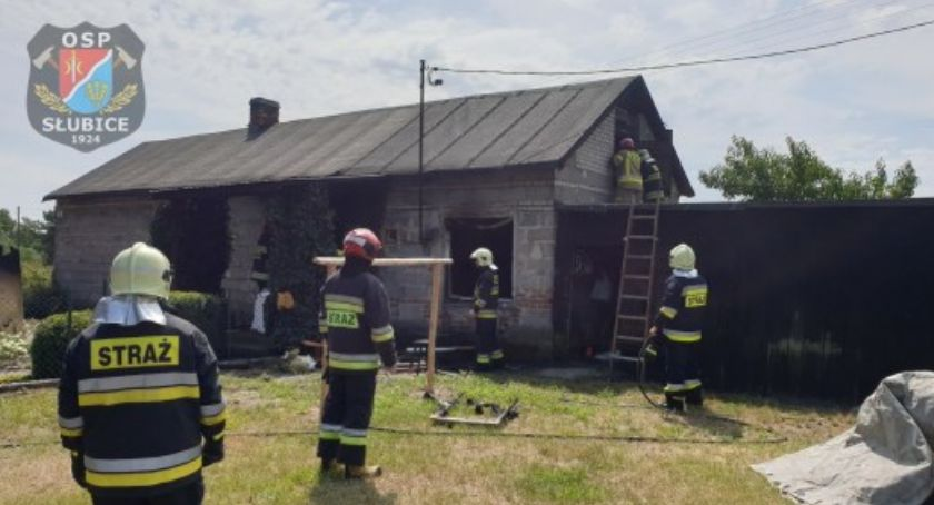 Pożary - interwencje straży  , Pożar budynku mieszkalnym - zdjęcie, fotografia