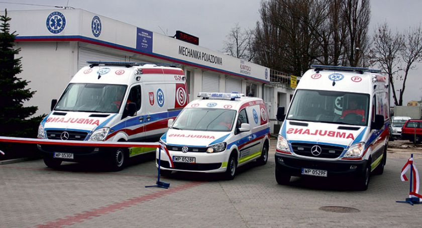 Zdrowie - Szpital, Siedem karetek Płocka - zdjęcie, fotografia