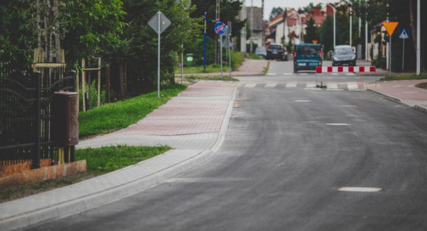 Aktualności, Podolszycach metrów nowej ulicy Strażackiej Stommy trwają prace - zdjęcie, fotografia