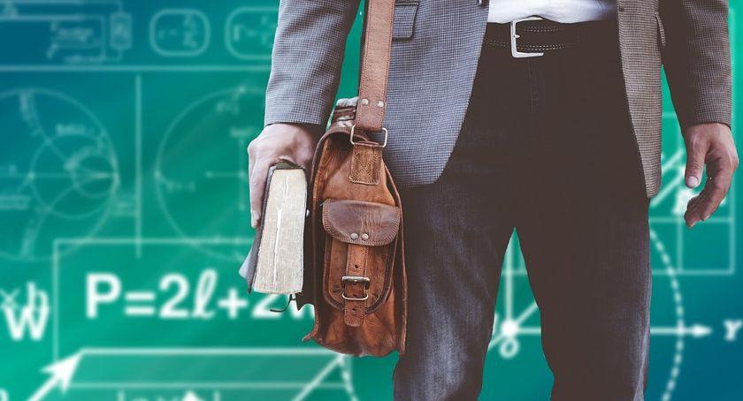 Edukacja - szkoły , przedszkolach bursie poradni konkursy dyrektorów rozstrzygnięte - zdjęcie, fotografia