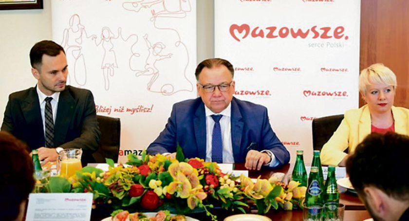Aktualności, Tysiące umów miliardy złotych - zdjęcie, fotografia
