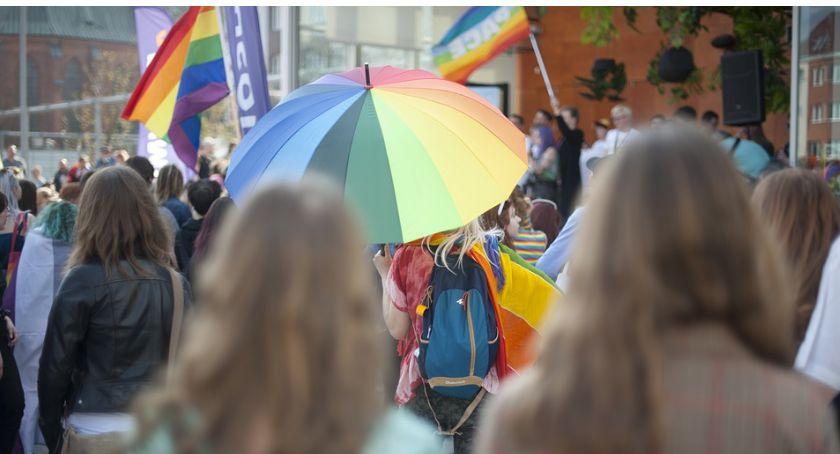 O tym się mówi, homofobia liście prezydenta chcą wycofał patronat Marszem Równości - zdjęcie, fotografia
