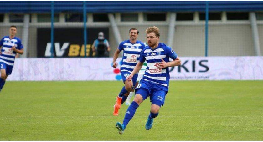 Piłka nożna, Świetny początek trenera Sobolewskiego - zdjęcie, fotografia