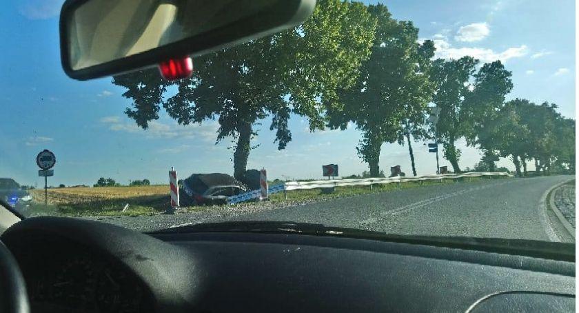 Wypadek, Wypadek Goślicach Droga przejezdna - zdjęcie, fotografia