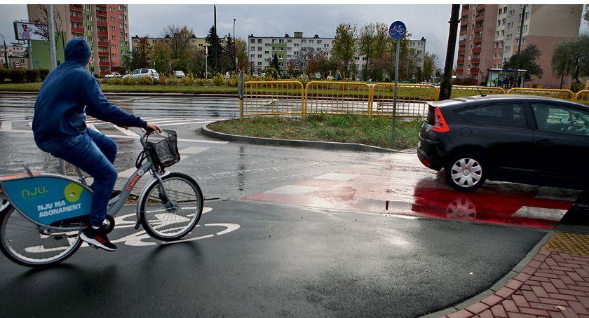 Temat numeru, Niebezpieczne płockie przejazdy - zdjęcie, fotografia