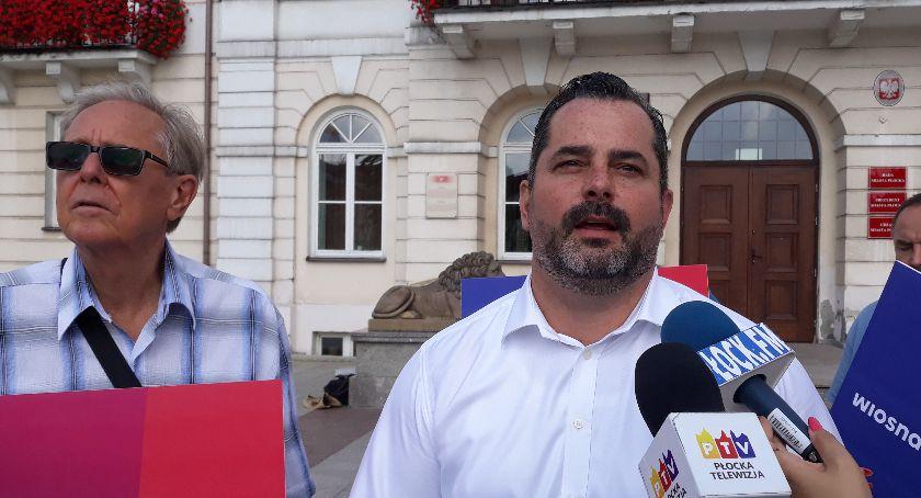 Partie polityczne, Arkadiusz Iwaniak jedynką Lewicy - zdjęcie, fotografia