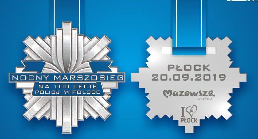 Wiadomości, Nocny Marszobieg okazji lecia polskiej policji wygląda pamiątkowy medal - zdjęcie, fotografia