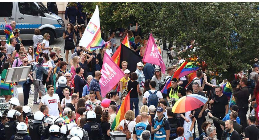 O tym się mówi, obrażono uczuć religijnych Obrażono uczestników marszu - zdjęcie, fotografia