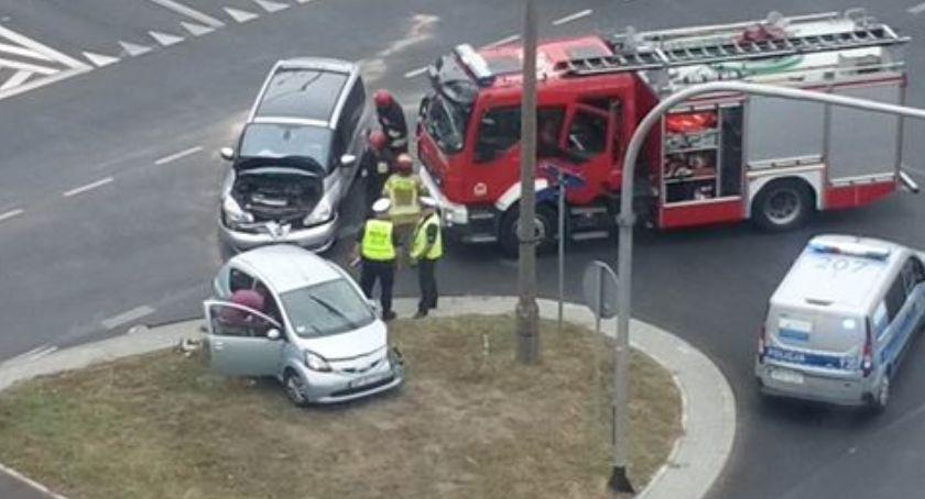 Wypadki drogowe, Zderzenie skrzyżowaniu Kobylińskiego Łukasiewicza jednym podróżowały dzieci - zdjęcie, fotografia