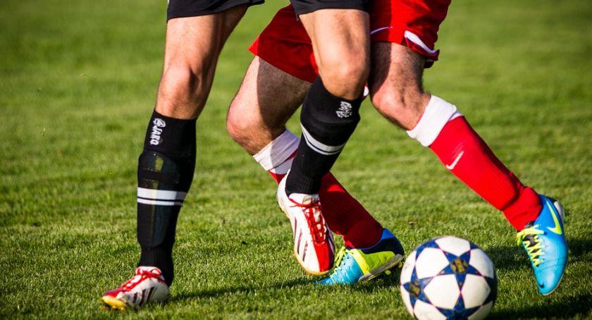Piłka nożna, Walczą Puchar Polski - zdjęcie, fotografia