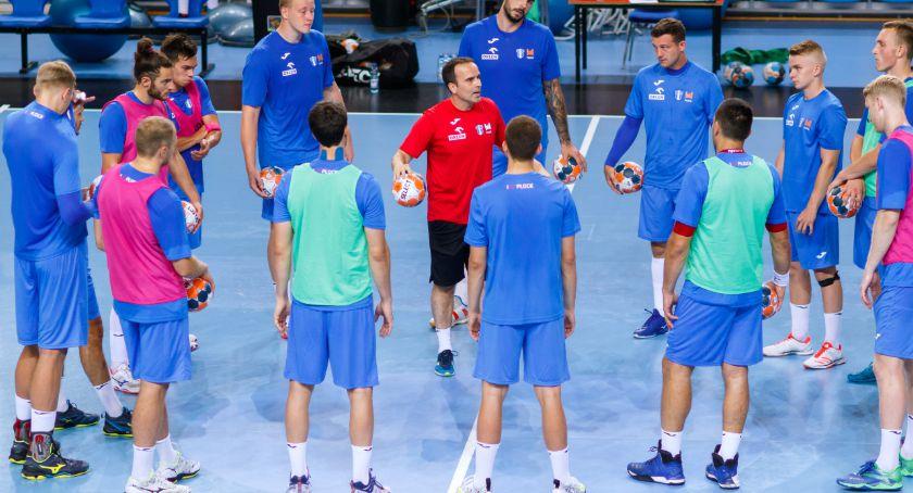 Piłka ręczna, Poznajmy nowych zawodników Orlen Wisły - zdjęcie, fotografia