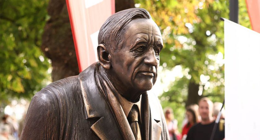 Tadeusz Mazowiecki przywitał się z płocczanami na Tumach  [ZDJĘCIA]