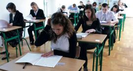 Maturzyści rozpoczęli egzamin